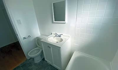 Bathroom, 318 S Commonwealth Ave, 2