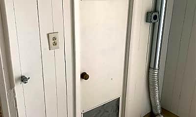 Bathroom, 68 N 1100 W St, 2