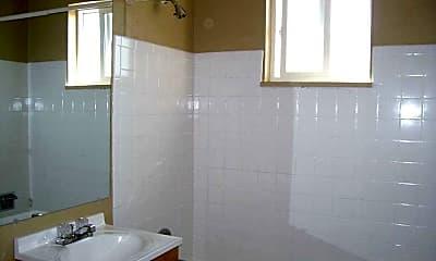 Bathroom, 917 James Ct., 2