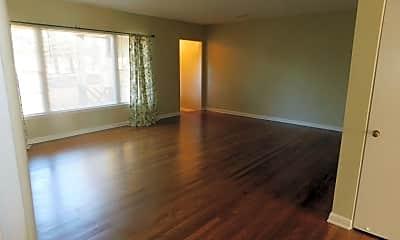Living Room, 946 James Blvd, 1