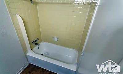 Bathroom, 1824 S Ih 35, 1