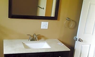 Bathroom, 105 E Grandview Dr, 2