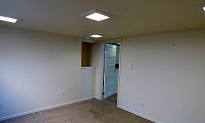Bedroom, 609 Terry St, 2