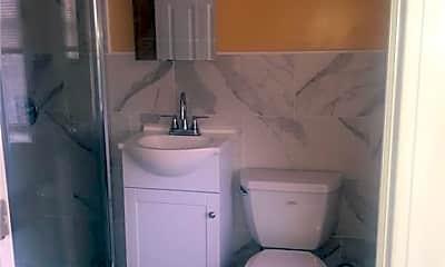 Bathroom, 37 E 59th St, 2