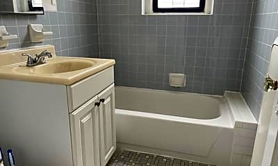 Bathroom, 351 Marine Ave F3, 2