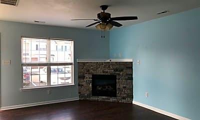 Living Room, 100 Pinegrove Ct, 1