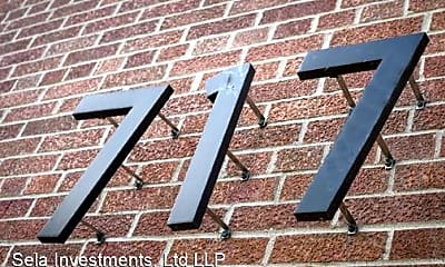 Building, 717 University Ave SE, 1