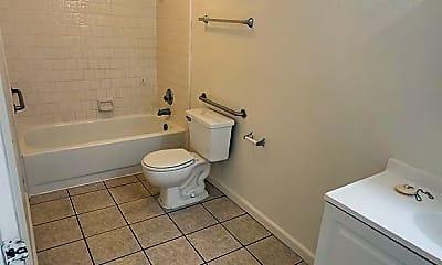 Bathroom, 569 N Elmwood Ave, 1