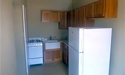 Kitchen, 207 Myrtle Pl 5, 1