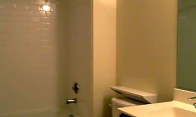 Bathroom, 304 E Bank St, 1