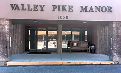 Valley Pike Manor, 1