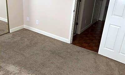 Bedroom, 619 King St 805, 2