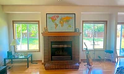 Living Room, 2924 Indigo Cir N, 1