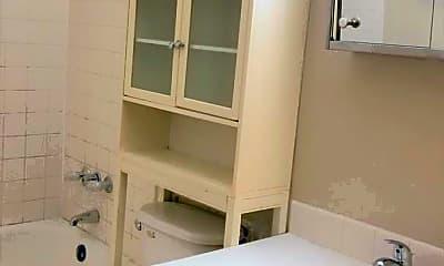 Bathroom, 1620 W 42nd St, 2