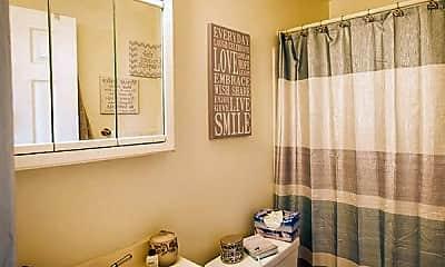 Bathroom, Grandview Gardens Apartments, 2