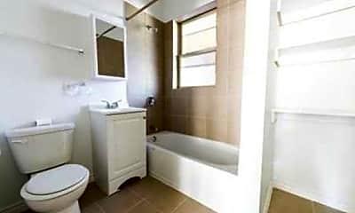Bathroom, 7954 Justine- Pangea Real Estate, 2