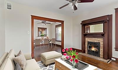 Living Room, 2708 Holmes St, 0