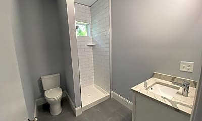 Bathroom, 41 Livingston St, 2