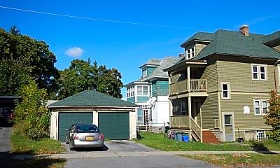 Building, 260 Roosevelt Ave, 2