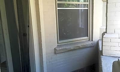 Bathroom, 419 Warren Crescent, 1
