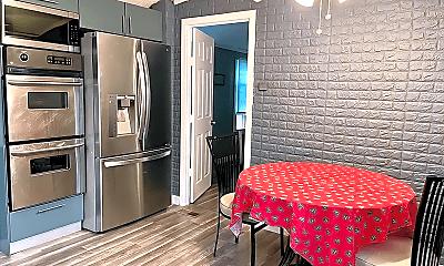Kitchen, 2701 Goethals Rd N, 1