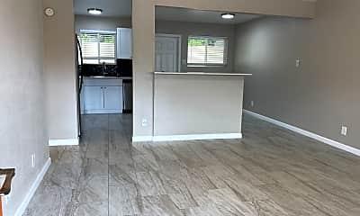 Living Room, 3024 N 39th St, 1