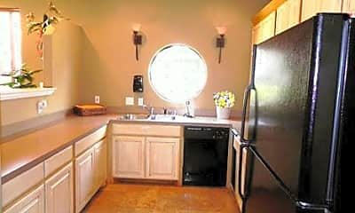 Living Room, 7650 McCallum Blvd, 2