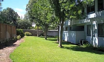 Diablo Terrace Apartments, 2