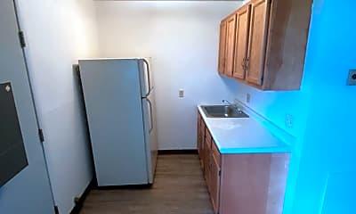 Kitchen, 516 Massillon Rd, 1