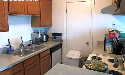 Kitchen, 1153 Johnson Dr, 1