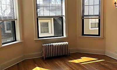 Bedroom, 5547 N Lakewood Ave, 1