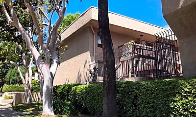 Building, 15215 W Magnolia Blvd, 1