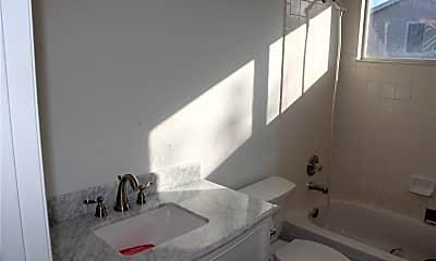 Bathroom, 21795 Farmingdale Way, 2