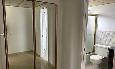 Bathroom, 215 SE 3rd Ave 408C, 2
