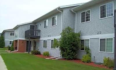 Lakeshore Park Apartments, 2