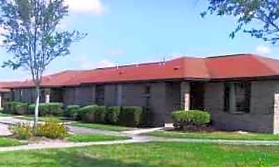 Julian Hills Apartments, 1