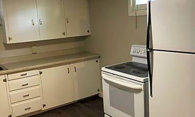 Kitchen, 424 Miles Ave, 1