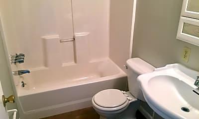 Bathroom, 4305 Murphy Rd, 2