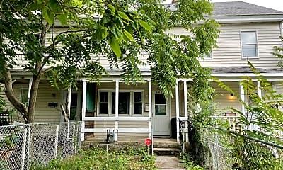 Building, 302 W Foundry St, 0