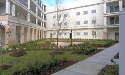 Building, 1661 Riverside Ave 418, 1