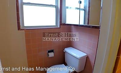 Bathroom, 700 E Carson St, 2