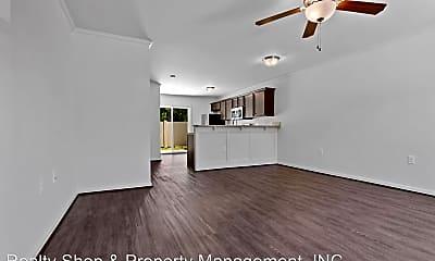 Living Room, 413 Sullivan Loop Rd, 1