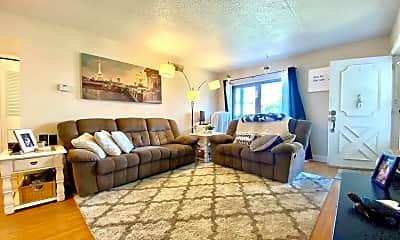Living Room, 5200 Hilltop Dr, 0