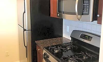 Kitchen, 2022 Central Rd 205, 0