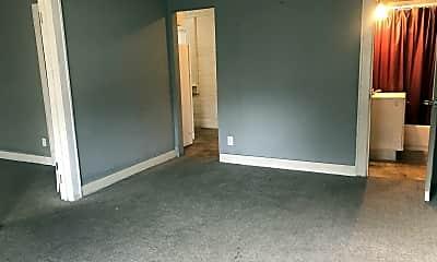 Living Room, 308 E Pine St, 1