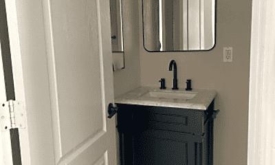 Bathroom, 925 E McKinley St, 1