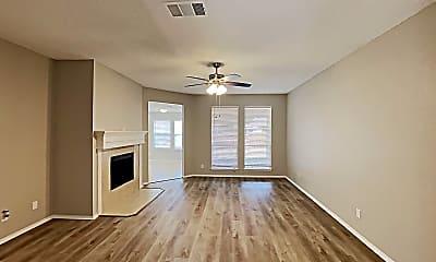 Living Room, 521 Olive St, 1