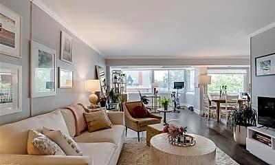 Living Room, 800 N Washington St, 0