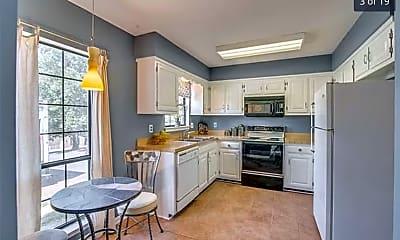 Kitchen, 702 Brentwood Pointe, 1