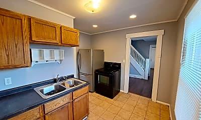 Kitchen, 114 S Monmouth St, 1